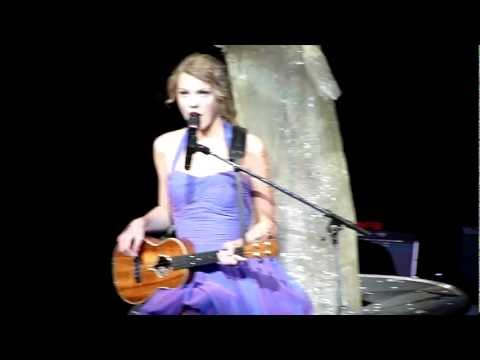 Taylor Swift - Fearless on the Ukulele - Staples Center, Los Angeles, Ca  8/24/11