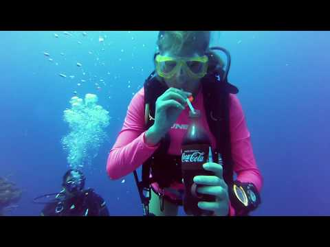 Deep Dive: lunch at 30 meters depth