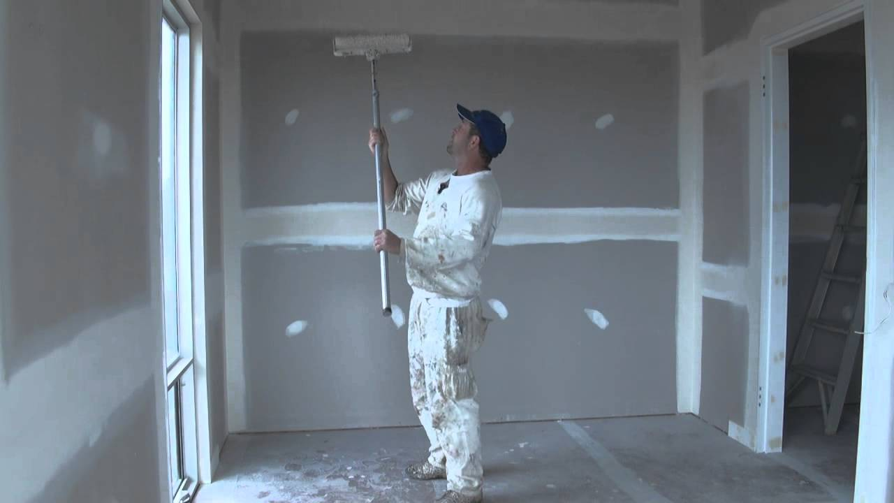 Ceiling Painting Tip- How to paint a ceiling with a roller, the technique  used when rolling. - YouTube