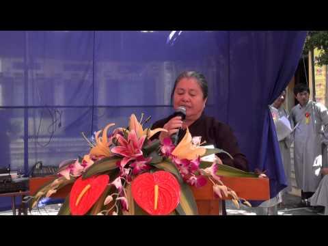 """Bà Cảnh ngâm thơ: """"Đức Phật dạy nhớ ghi lời cha mẹ"""""""