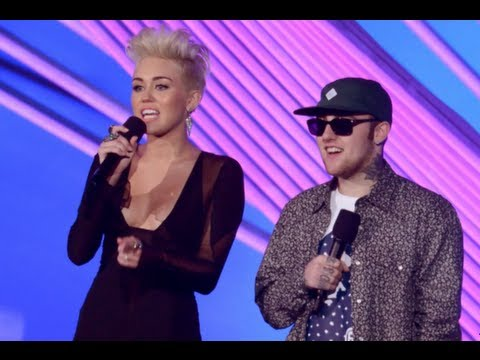 Miley Cyrus and Pink 2012 MTV Video Music Awards