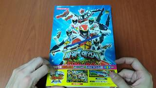"Download Video ""Unwrapping"" Power Rangers Dino Force Brave book from E-Mart (파워레인저 다이노포스 브레이브) MP3 3GP MP4"