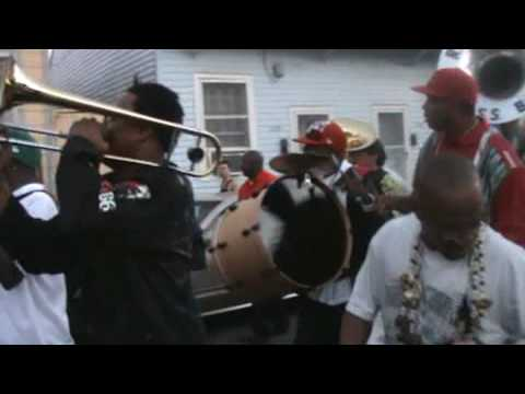 2009 mardi Gras second line in Treme featuring Rebirth Brass Band