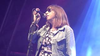 HELEN LOVE - Girl about town (live! Primavera Sound 2014)