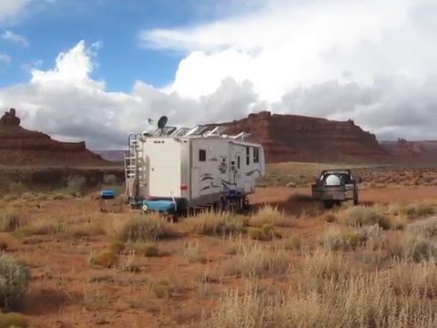 "Solar ""Boondocking"" at the Valley of the Gods, Utah."