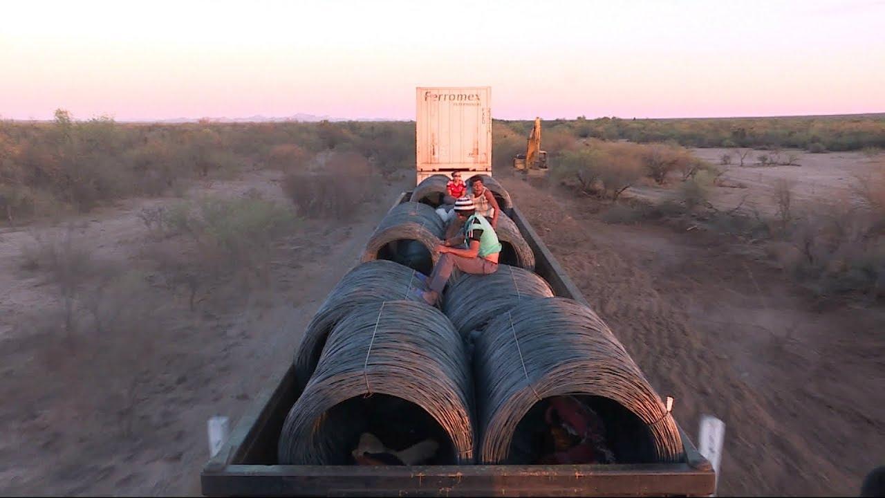 """Download México: a bordo de """"La Bestia"""", el tren de carga utilizado por los migrantes"""