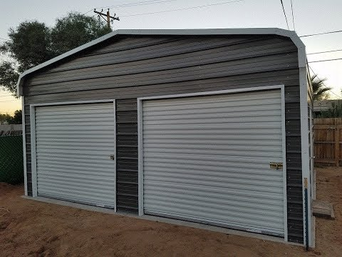 The garage is finally HERE !!!!!!!!