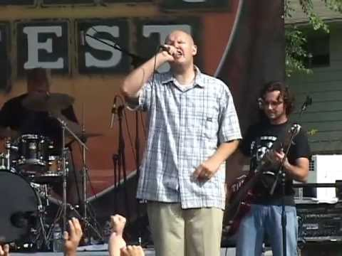 The Insyderz - All in All / Awesome God - Live from the 2005 I'll Fight Fest in Leonard, MI