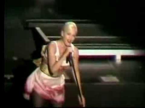 Gwen Stefani - Live in Wantagh (5/20/2007)