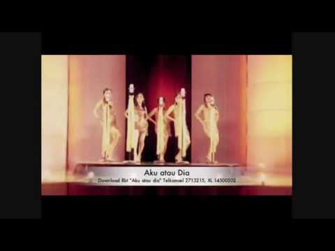5 Bidadari - Aku Atau Dia Official Music Video