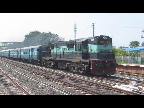 22909 Valsad-Puri SF Express with KJM Palindrom '13331' blasting at Salichauka Road !!