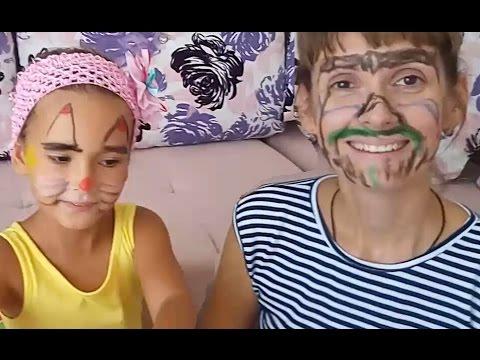 Yüz Boyama Elif Ve Annesi Yüz Makyajı Yapıyorlar Eğlenceli çocuk