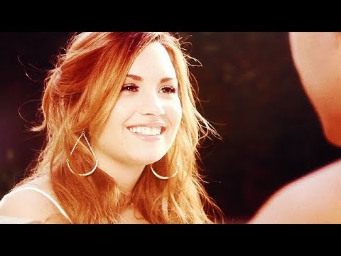 Singles Demi Lovato WROTE!
