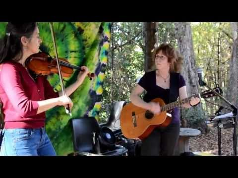 Entertainment at Sweetwater Organic Farms  Tampa Florida