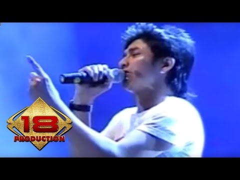 Ungu - Sejauh Mungkin (Live Konser Solo 18 September 2006)