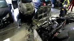 Feuer im Parkhaus in Göttingen: Vier Autos in Flammen