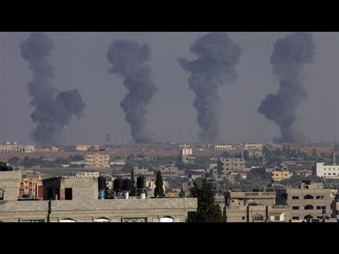 Photos of the Day - Israel Bombs Gaza's Airport - July 7, 2014
