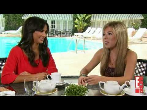 Jennette McCurdy, Victoria Justice and Josie Loren  E! Roundtable discussion