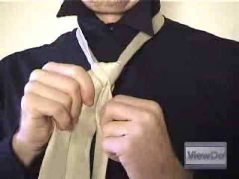 Viewdo how to tie a tie double windsor youtube viewdo how to tie a tie double windsor ccuart Choice Image