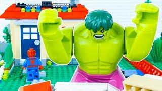 LEGO Hulk's Day Off STOP MOTION LEGO Hulk And LEGO Spiderman   By LEGO Worlds