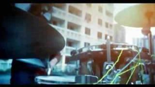 Hujan - Jiwa Kelajuan (official video with lyric)