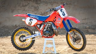 Racer X Films: 1986 Honda CR250 | Garage Build | Rick Johnson | Two-Stroke Motocross