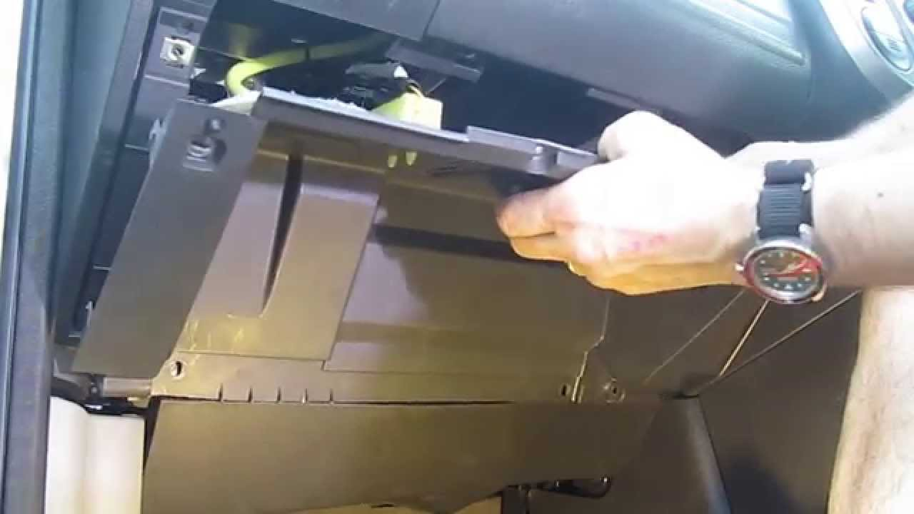 Watch on toyota cabin air filter location