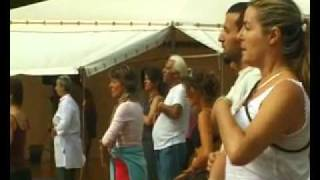 VIAGGIO IN UNA COMUNE DI OSHO MIASTO di Piero Cannizzaro 8'.mp4(Estratto dal film