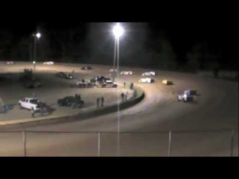 Late Model Race at Dublin Motor Speedway 10-8-11