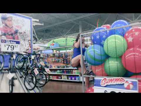Drunk WalMart Ballpit Diving | Scream Queen Stream