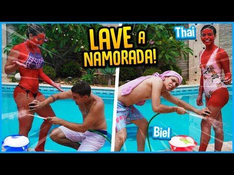 CASAL VS CASAL: LAVE A NAMORADA COM SABÃO!! [ REZENDE EVIL ]