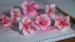 Цветы из гофрированной бумаги своими руками: мастер-классы, фото, видео
