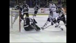 Repeat youtube video Top 10 Hockey Goals 95-2006
