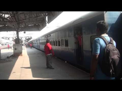 Jaipur Coimbatore Express Entering Chennai Central