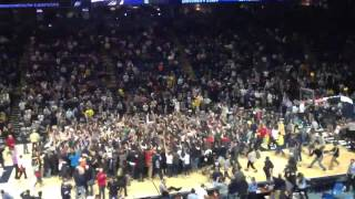 Nittany Nation rushes the court after Penn State upsets #4