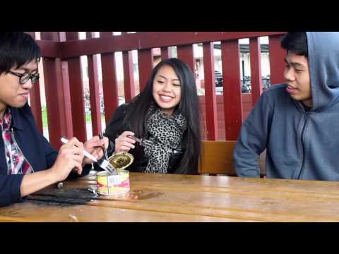 Surströmming Challenge (One of the smelliest food ever) by Hong Kong people 香港人試食瑞典鹽醃鯡魚, 世界最臭食物之一