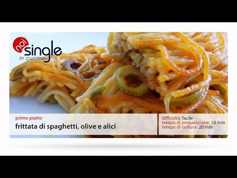 Frittata di spaghetti, olive alici
