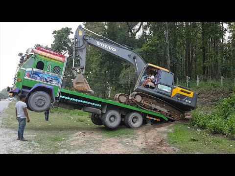 Amazing Video ! Volvo Excavator Uploading in Truck By Experience Driver - Dozer Video 2