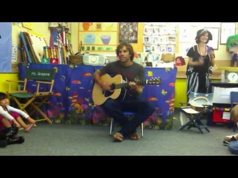 Jack Johnson sings to Preschool Class