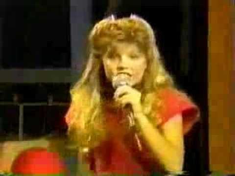 """Fergie / Stacy Ferguson (Kids Inc.) sings """"Back in My Arms ..."""