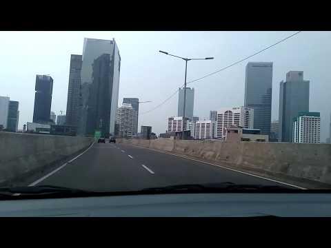 Kota Jakarta dengan gedung yang tinggi