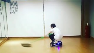 WM 인간 로봇 청소기