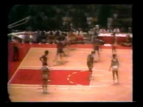 Artis Gilmore (28pts/31rebs/5asts) vs. Pacers (1975 ABA Finals)