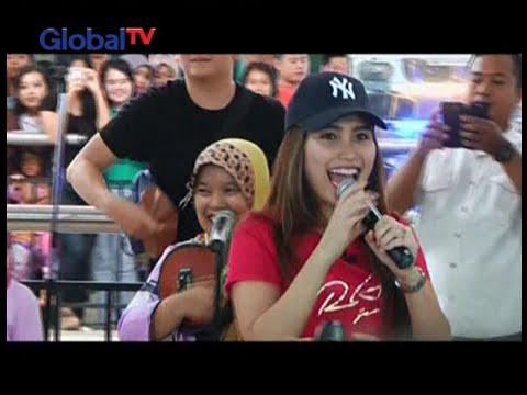 Nyanyikan Sambalado, Ayu Ting Ting duet bersama pengamen jalanan - Obsesi 17/02 Mp3