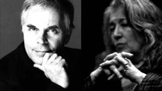 Debussy. En blanc et noir L 134 - 1. Avec Emportement - Martha Argerich & Stephen Kovacevich