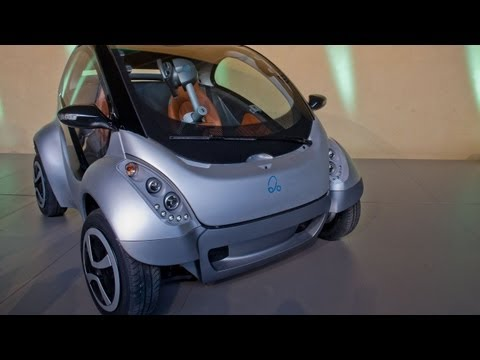 Hiriko - The fold-up electric two-seater car for 2013