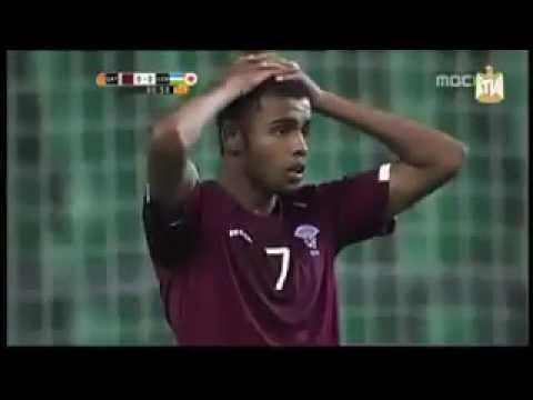Qatari football player misses empty goal