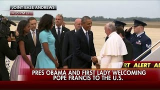 WATCH: Pope Francis Greeted by President Obama, First Lady Upon U.S. Arrival