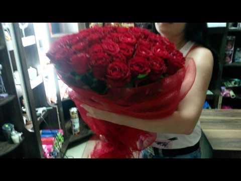"""Букет из 51 красной розы """"Страсть""""из YouTube · С высокой четкостью · Длительность: 30 с  · Просмотры: более 12.000 · отправлено: 24.07.2014 · кем отправлено: Доставка цветов Floravip"""
