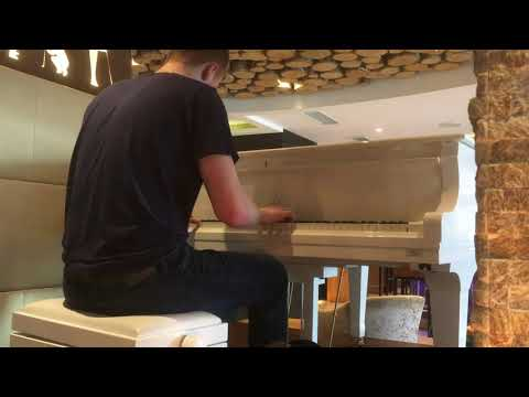 Hallelujah On A White Grand Piano - Cover By Gustav Astep